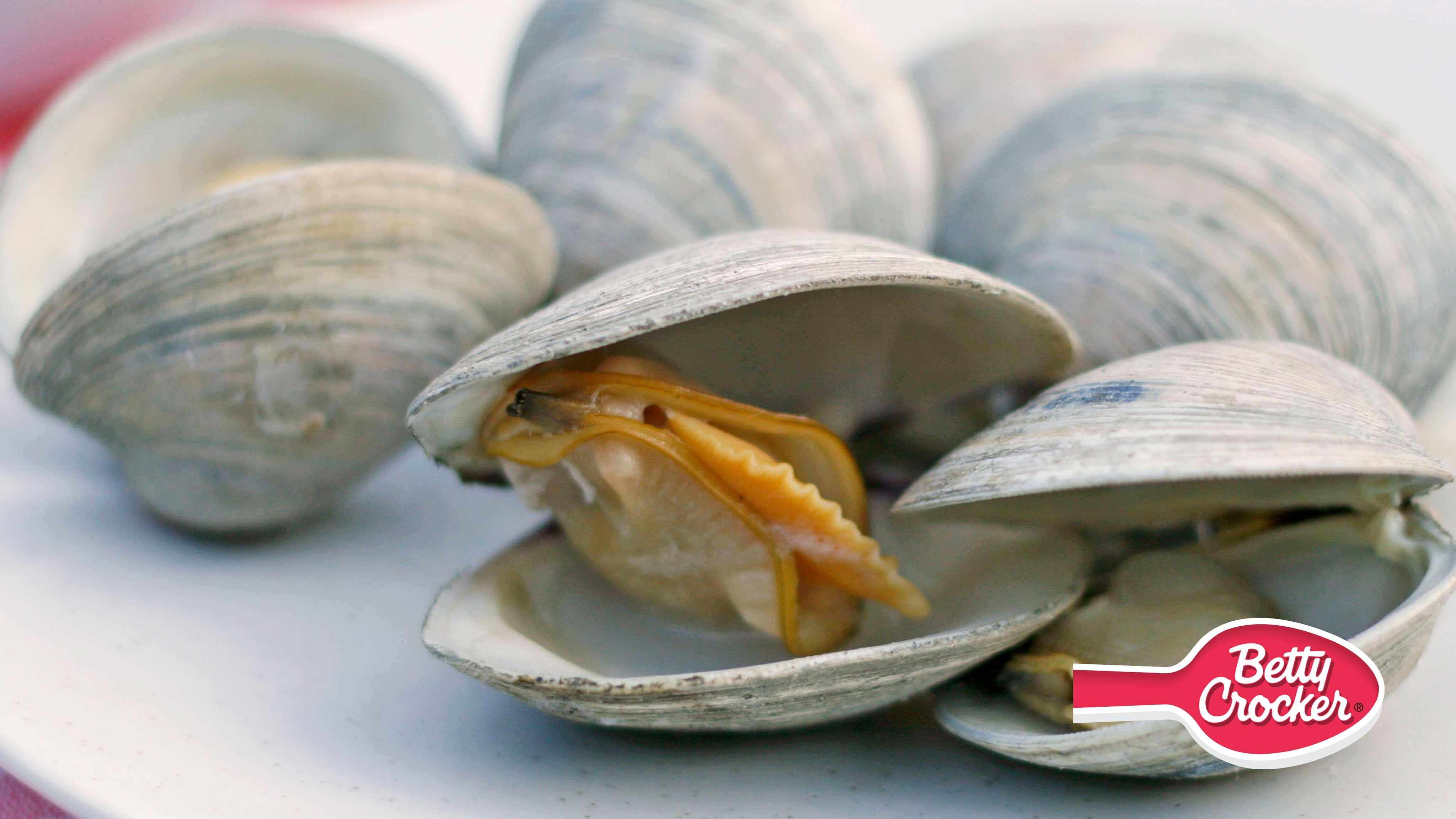 Image for Recipe Beer Steamed Clams on a Gas Grill